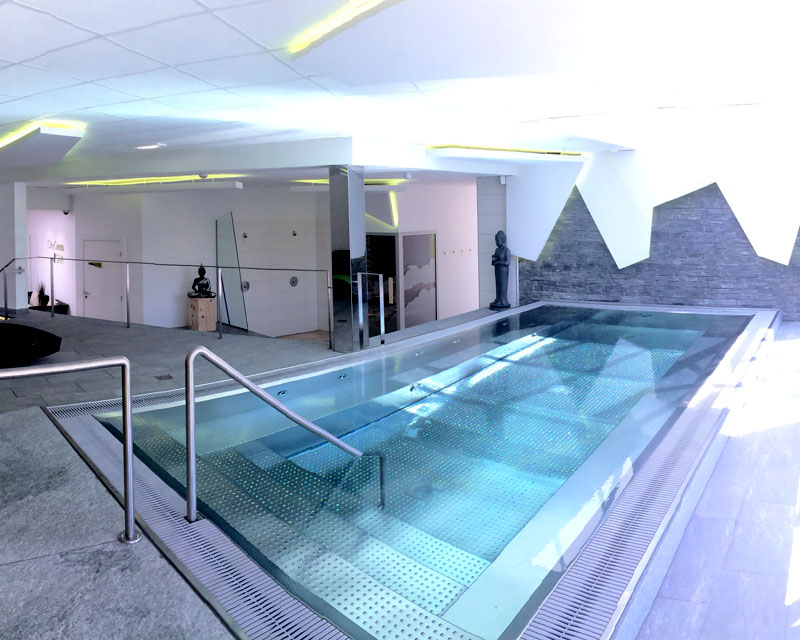 Piscine et spa inox 74 jbs piscines haute savoie suisse for Construction piscine inox